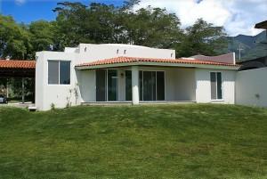 photo maison avec baie vitrée